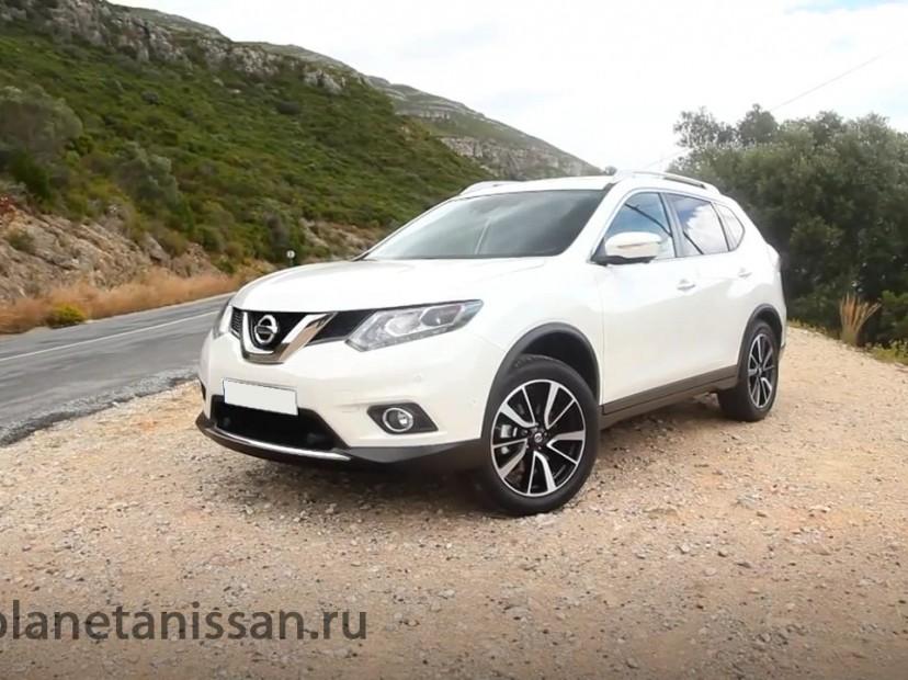X-trail в новом кузове белого цвета
