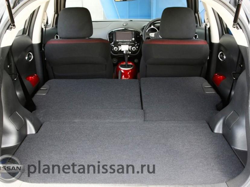 Багажник со сложеным спинками задних сидений