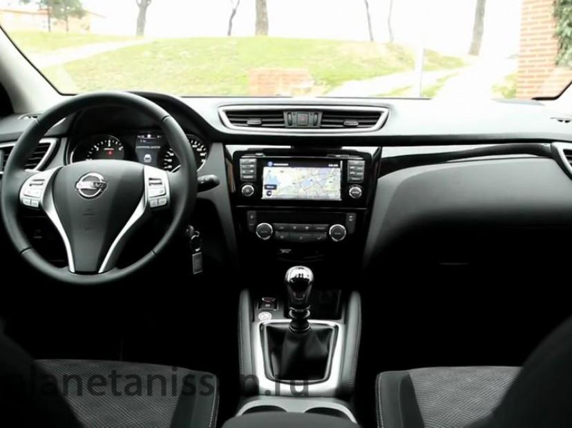 фото ниссан кашкай 2014 - салон автомобиля, вида с задних сидений